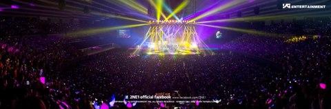 2NE1 Osaka03 YGFB.jpg
