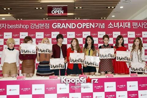 42126-girls-generation-lg-best-shop-opening-fan-sign-meeting.jpg
