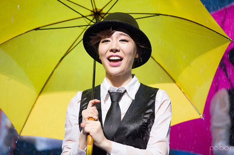sunny-singin-in-the-rain-4s.jpg